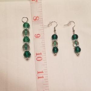 💚 Fun green earring and pendant set